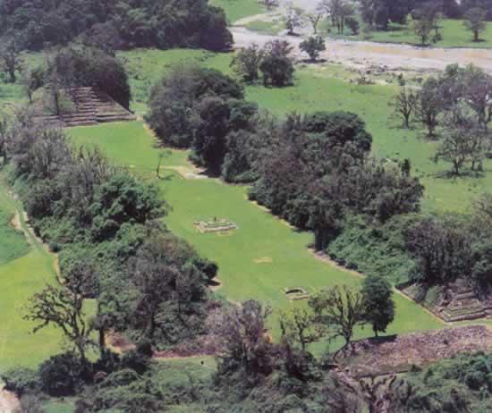 Zona Arqueológica El Cuajilote